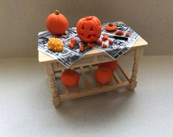 "1/2"" or 1/24 Scale Miniature Pumpkin Carving Table"