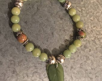 Green Leaf Stretch bead bracelet