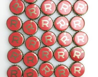 Lot of 35 Reds Apple Ale R Beer Cap Crown No Dents Craft Art Supply Repurpose