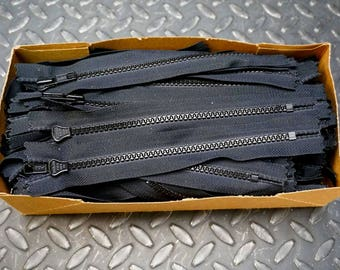 "100 Pieces - Genuine YKK Vislon, 7"" Zipper, Black Plastic 580, VFC-56"