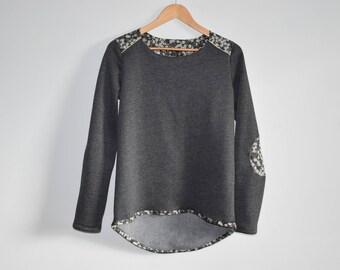 Hooded Fleece detail gray liberty mitsi gray + Golden piping
