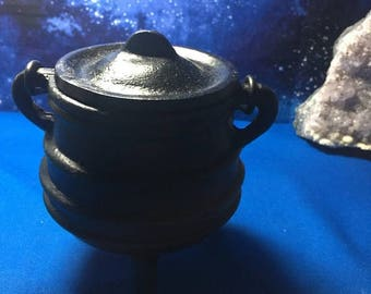 "SUPER SALE Cast Iron Cauldron with Lid - 4.5"" Height - Cute and Banded, Wicca Tools, Altar Tools, Ritual Use, Smudge Pot, Resin Use, Incense"
