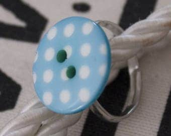 Polka dot button ring
