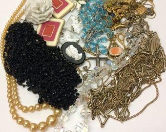 Vintage Costume Jewelry Lot Re-Purpose Art Supply Necklace Pendant Beads Stones