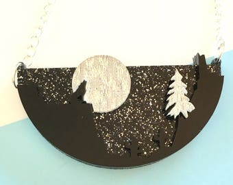 Moon song necklace