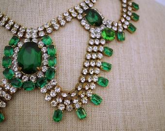 Beautiful 1960s 60s Vintage Rhinestone Necklace