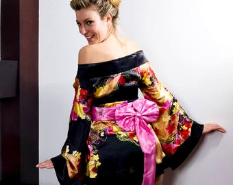 Charming Japanese Vintage Silk Meisen Kimono