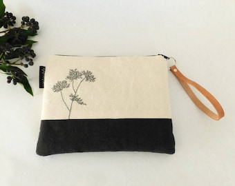 Pocket embroidered tree black and white / hand embroidered pouch / clutch style nature / large two-tone case / natural style