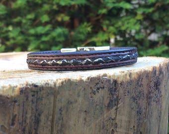 Leather bracelet for men, leather bracelet, bracelet in dark brown fish leather inlay, Bangle Bracelet