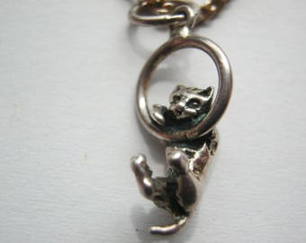 Necklace silver plated with silver cat pendant, length ca. 40 cmDeutschland ca. 1970 miniature cat