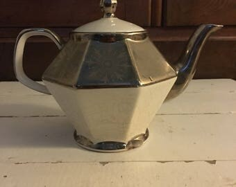 Vintage Gibson Stratforshire Tea Pot