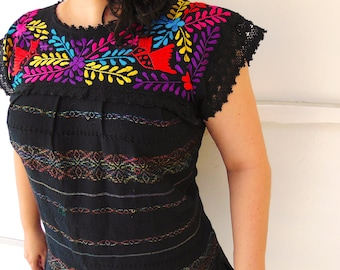Mexican Embroidered Blouse, Black Mexican Top, Mexican Blouse, Frida Kahlo Shirt, Frida Kahlo, Tunic Mexican, Huipil Top, Tunic Mexican