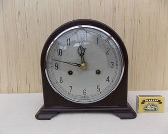 Smith Bakelite 8 Day Mantel Clock