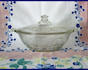 Pyrex Clear Covered 1.25 Qt. Casserole Hard to Find, #096 - 696 Embossed Fern Leaf and Lattice Work - Vintage 1930's