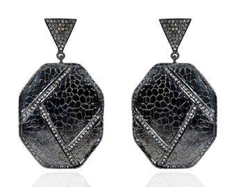 SDE1791 Silver hammered diamond Black RH earrings