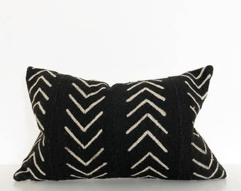 Mudcloth pillow | Mud Black mudcloth cushion cover | Lumbar pillow | African mudcloth | Ethnic cushion cover | Authentic bogolan pillow