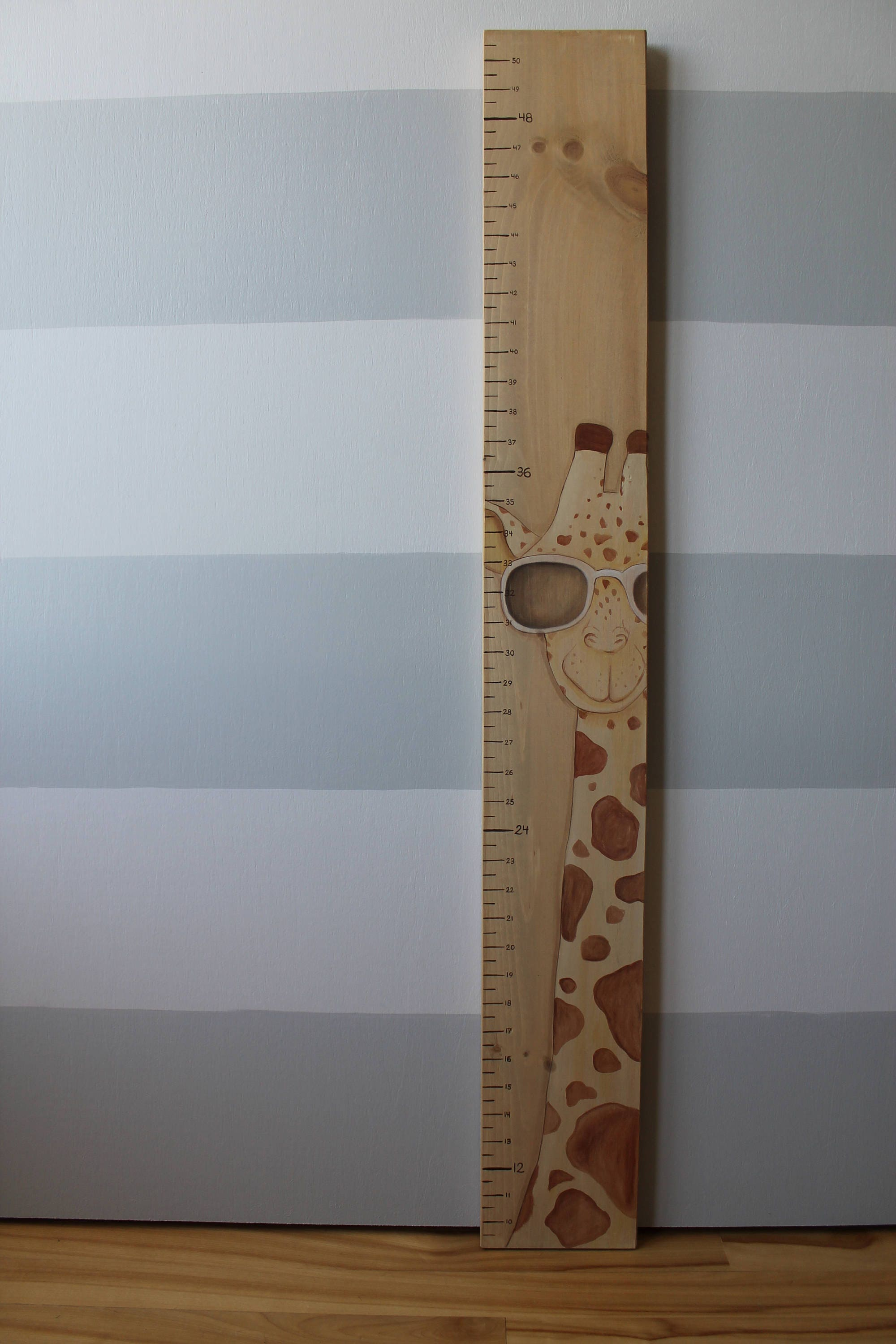 Wooden giraffe growth chart scale growth chart measures zoom nvjuhfo Choice Image