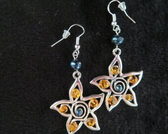 """""""precious stars"""" earrings with amber beads"""