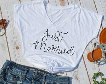 Just Married shirt- bridal shirt- wedding shirt- honeymoon shirt- bridal party shirt- newlywed shirt- wedding day shirt- brides t-shirt