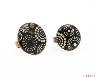 resin ring circles and black polka dots