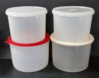 Vintage tupperware canisters, storage bowls.  Set of 4 with lids.