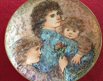 Edna Hibel Mothers Day Plate Elizabeth Jordan and Janie
