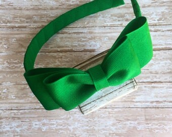 Green headband with a bow, girls headband, plastic headband, green bow headband, saint patricks headbands, girls hard headband with bow