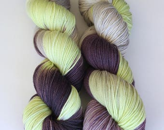 Mornings on the porch | FLUFFY 80/20 superwash merino nylon sock | purple plum violet lime green silver grey variegated hand dyed sock yarn