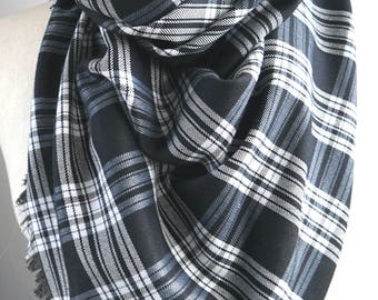 blanket plaid scarf, black and white plaid, black and white tartan, tartan plaid scarf, triangle scarf, womens scarves, oversized scarf