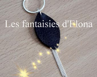 Necklace in 925 Silver with small leaf black grained leather