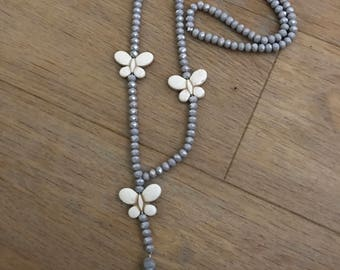 Necklace Pearl gray and white butterflies