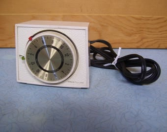 Vintage Westclox 24 hour switch timer