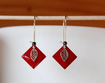 enamelled sequin red diamond and leaf Silver earrings