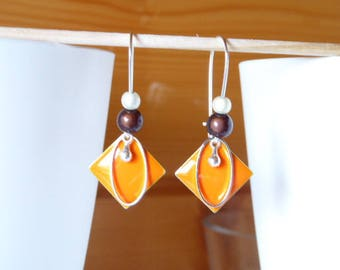 Earring sequin orange and pearls