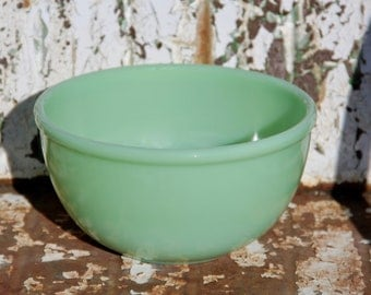 Fire-King Oven Ware Jadeite Beaded Rim Bowl