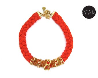 Fashion Jewelry Modern Coral Red Necklace with Metal Chain and Cotton