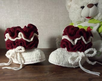"Knitted baby  booties "" White and Bordeaux"" baby boots, knitted baby shoes"