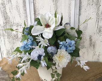 White and Blue in White Tin Spring Arrangement, Blue Summer Arrangement, Wedding Centerpiece, Wedding Decor, Shabby Chic, Cottage Floral