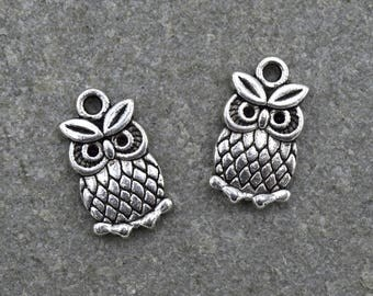 4 owls B39 antiqued silver charms
