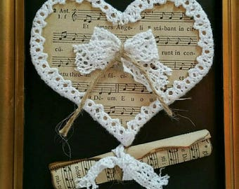 Gold frame Shabby Chic heart and sheet music