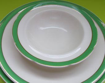 Vintage Gift. Queens Green Solian Ware. Soho Potteries Queens Green. Queens Green Small Bowl and Plates. 1930 Queens Green.