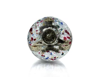 A Paul Ysart Badge Paperweight with Military Cap Badge of the Royal Regiment of Artillery inside, Made in Scotland in WW2, Art Glass 1930s.