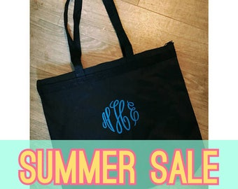 SUMMER SALE Zippered Tote Monogram Embroidery Script Curly