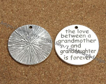 """wholesale 50Pieces /Lot Antique Silver Plated 32mm  """"The love between grandmother and granddaughter is forever"""" word charms (#0907)"""