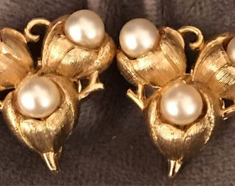 Trifari gold plated pearl clip earrings