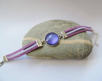 Suede purple glittery varnish cabochon bracelet