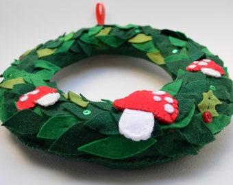 mushroom wreath, Christmas wreath, hand sewn mushrooms, handmade wreath, fabric wreath, festive wall hanging, Christmas wall hanging