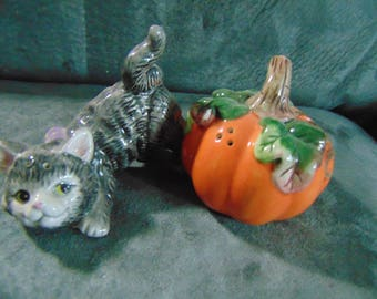 Fitz and Floyd salt and pepper shakers Black CAT and PUMPKIN