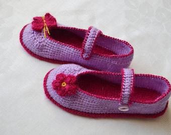 Children's sandals. For girls. Wool. Leather sole. Bottle and flower. Triple sole is rubber, felt, yarn.