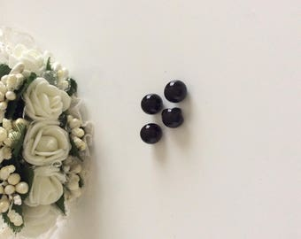 Approximately 8 mm beads black color button